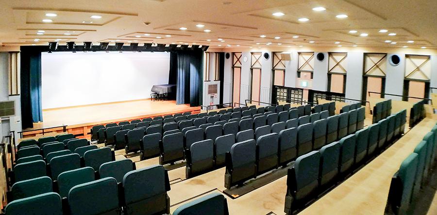 東大阪市リージョンセンター 夢広場 : 多目的ホール