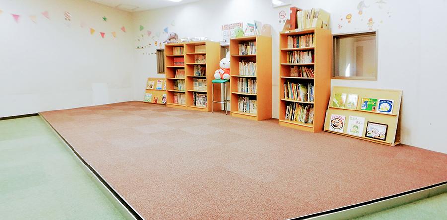 東大阪市リージョンセンター ももの広場 : 図書コーナー
