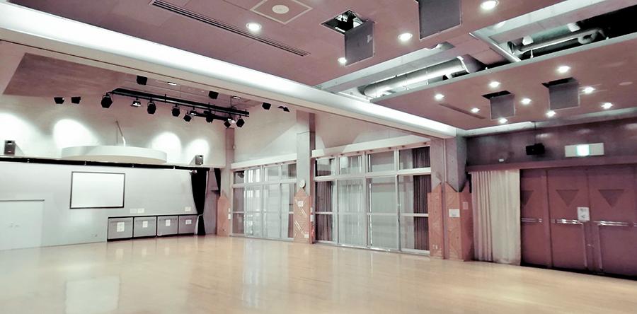東大阪市リージョンセンター グリーンパル : 多目的ホール