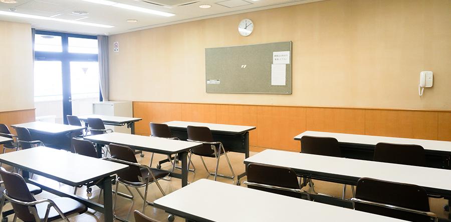 東大阪市リージョンセンター はすの広場 : 会議室B