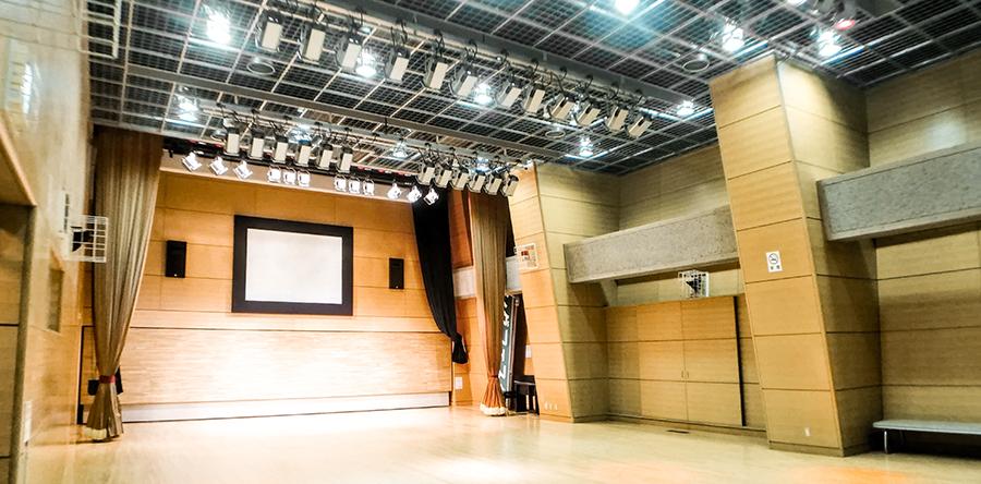 東大阪市リージョンセンター やまなみプラザ : 多目的ホール