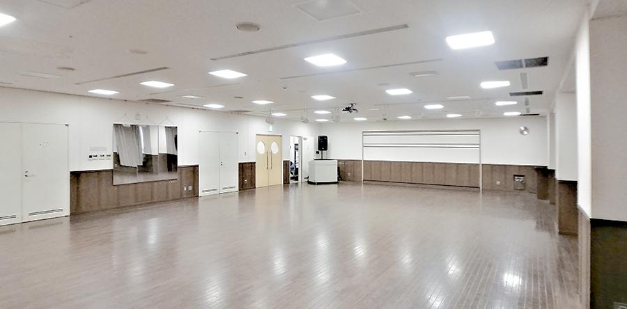 東大阪市リージョンセンター くすのきプラザ : 多目的ホール