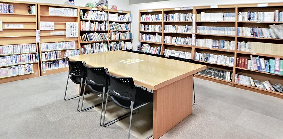 東大阪市リージョンセンター くすのきプラザ : 図書・ビデオコーナー